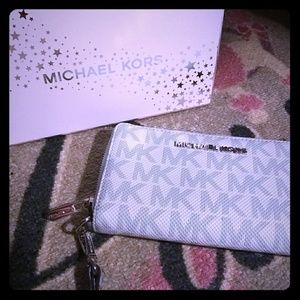 Michael Kors Jet Set Phone/Wallet Wristlet